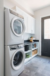 Amazing Laundry Room Tile Design40