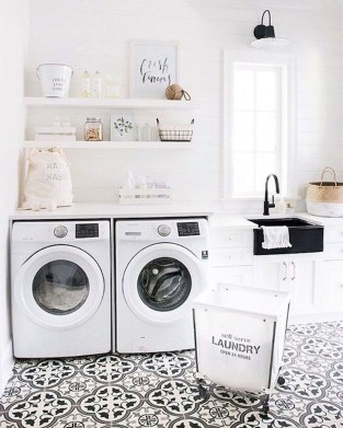 Amazing Laundry Room Tile Design41