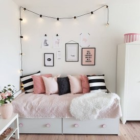 Brilliant Bedroom Organizatioan Ideas05