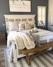 Comfy Master Bedroom Ideas05