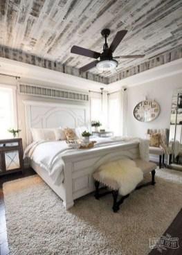 Comfy Urban Master Bedroom Ideas06