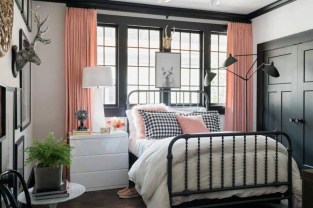 Comfy Urban Master Bedroom Ideas24