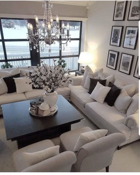 Lovely Black And White Living Room Ideas18