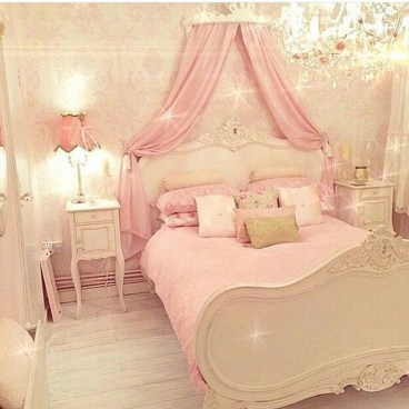 Lovely Girly Bedroom Design22