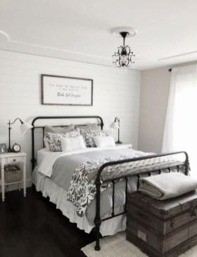 Modern Farmhouse Bedroom Ideas06