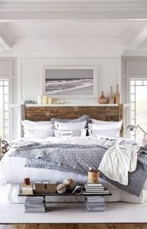 Modern Farmhouse Bedroom Ideas15