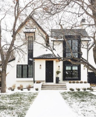 Modern Farmhouse Exterior Design22