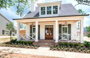 Modern Farmhouse Exterior Design33
