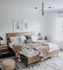 Modern White Farmhouse Bedroom Ideas05