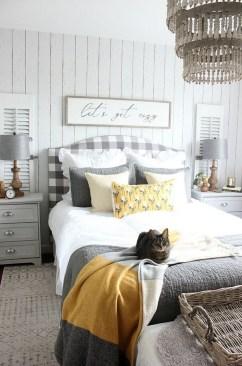 Modern White Farmhouse Bedroom Ideas12