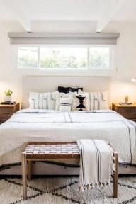 Modern White Farmhouse Bedroom Ideas17