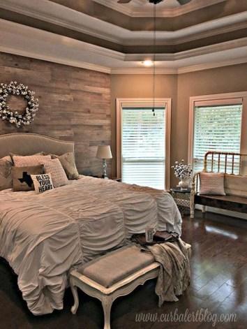 Modern White Farmhouse Bedroom Ideas40