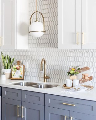 Stunning White Kitchen Ideas15