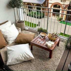 Comfy Apartment Balcony Decorating15