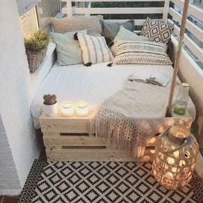 Comfy Apartment Balcony Decorating16