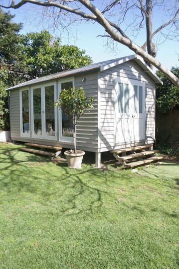 Awesome Comfy Backyard Studio Ideas08