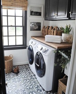 Beautiful Laundry Room Tile Design03