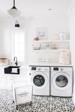 Beautiful Laundry Room Tile Design08