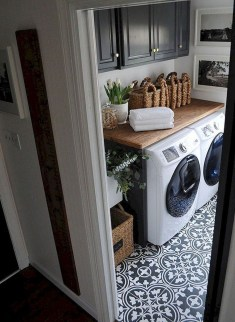 Beautiful Laundry Room Tile Design13