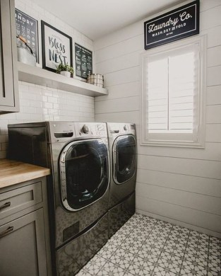 Beautiful Laundry Room Tile Design17