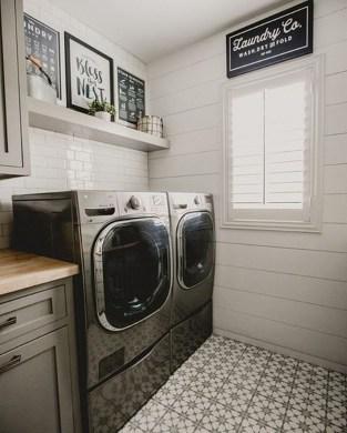Beautiful Laundry Room Tile Design17