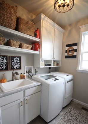 Beautiful Laundry Room Tile Design35