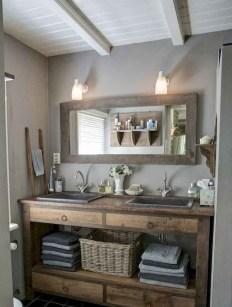 Best Farmhouse Bathroom Remodel04