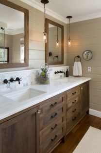 Best Farmhouse Bathroom Remodel12