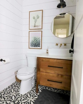 Best Farmhouse Bathroom Remodel16