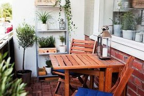 Exciting Small Balcony Decorating For Farmhouse06