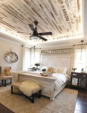 Lovely Urban Farmhouse Master Bedroom Remodel Ideas06