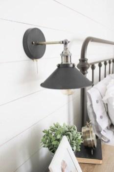 Lovely Urban Farmhouse Master Bedroom Remodel Ideas16