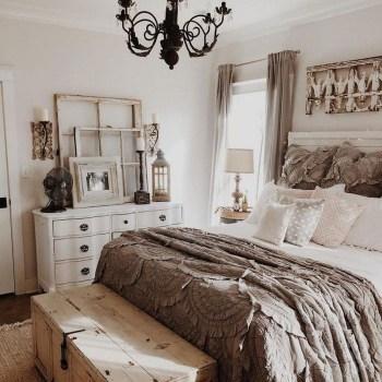 Lovely Urban Farmhouse Master Bedroom Remodel Ideas18