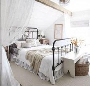 Lovely Urban Farmhouse Master Bedroom Remodel Ideas41