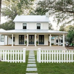 Marvelous Farmhouse Exterior Design Ideas35
