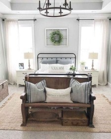 Smart Modern Farmhouse Style Bedroom Decor02