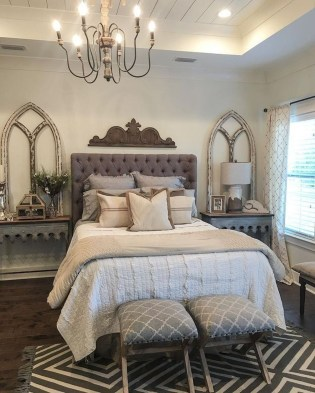 Smart Modern Farmhouse Style Bedroom Decor17