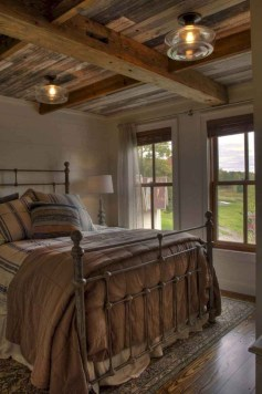 Smart Modern Farmhouse Style Bedroom Decor25