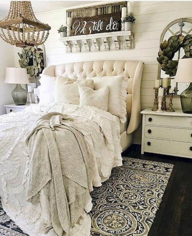 Smart Modern Farmhouse Style Bedroom Decor34