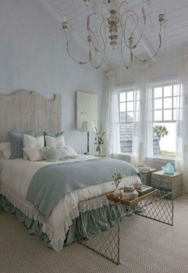 Smart Modern Farmhouse Style Bedroom Decor40