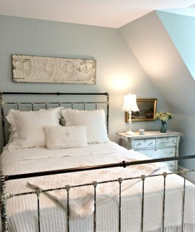 Smart Modern Farmhouse Style Bedroom Decor46