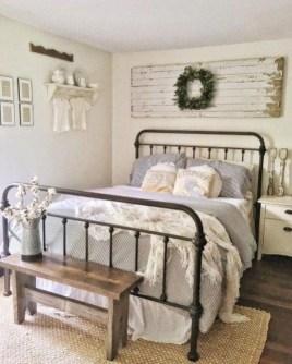 Smart Modern Farmhouse Style Bedroom Decor49