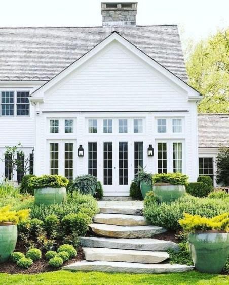 Top Modern Farmhouse Exterior Design23