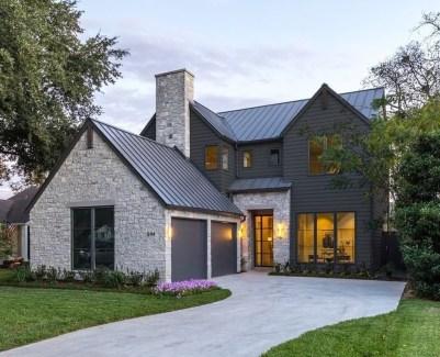 Top Modern Farmhouse Exterior Design37