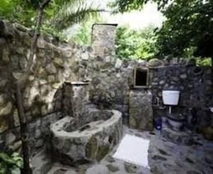 Amazing Outdoor Bathroom Design Ideas13