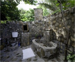 Amazing Outdoor Bathroom Design Ideas38