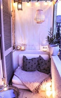Awesome Small Balcony Ideas For Apartment06