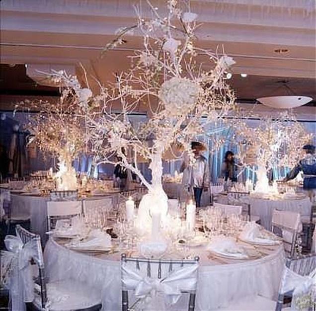 Awesome Winter Wonderland Wedding Decoration35