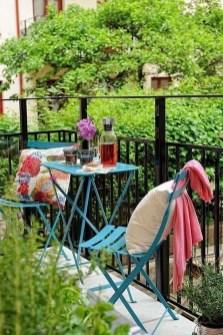 Creative And Simple Balcony Decor Ideas11