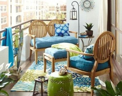 Creative And Simple Balcony Decor Ideas13